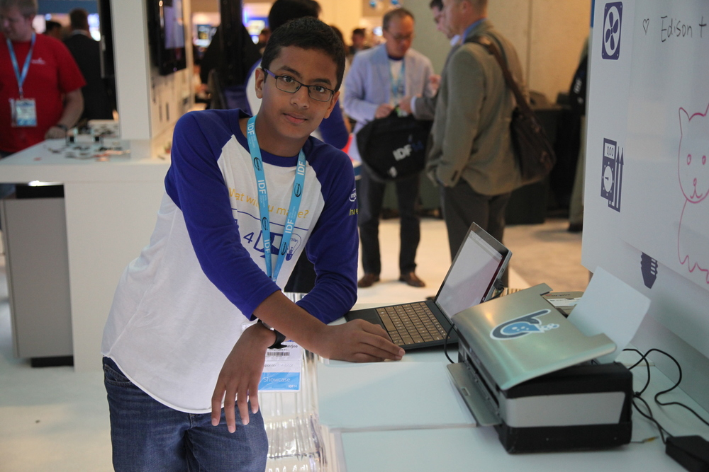 Shubham Banerjee with Braigo 2.0 at IDF14
