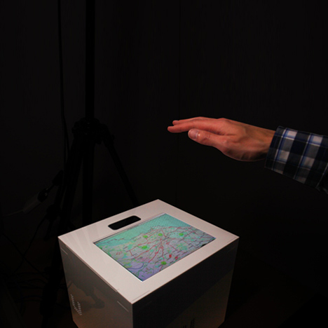 dezeen_UltraHaptics-touchscreens-with-tactile-feedback-by-Bristol-University-researchers