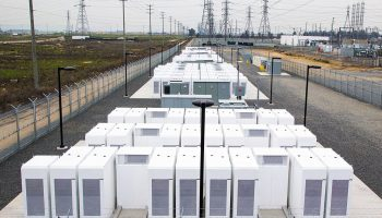 tesla_powerpack_2 source Gizmodo Australia-compressed