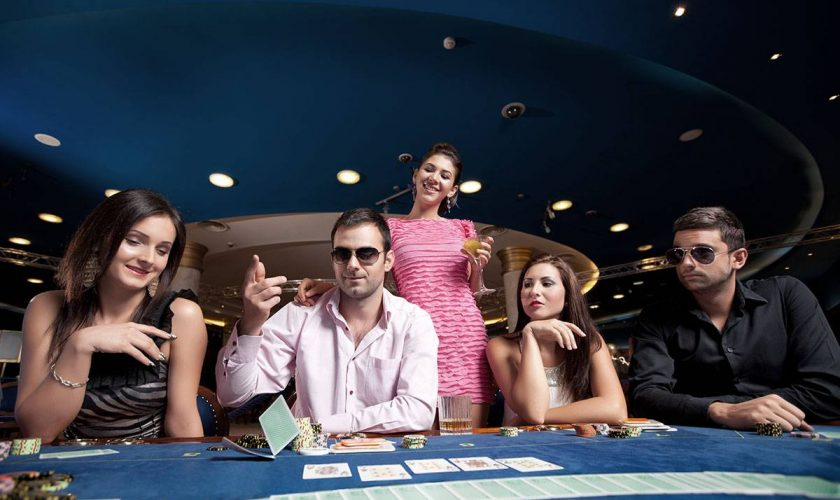 poker-players-PUQK9HH-compressed